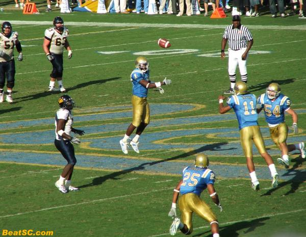 This is the GAME-SEALING Interception by Dennis Keyes.