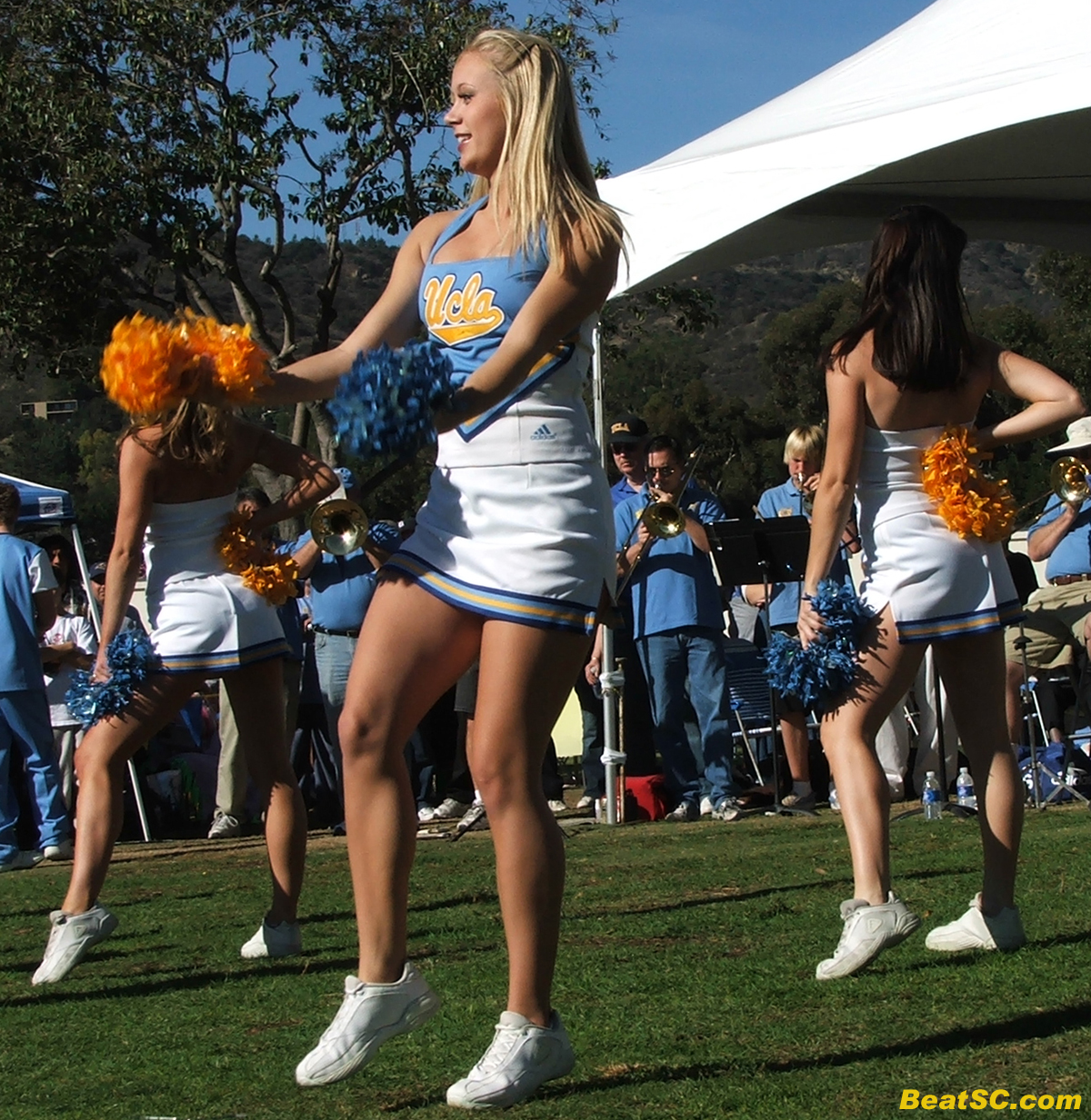Cheerleaders upskirt ucla