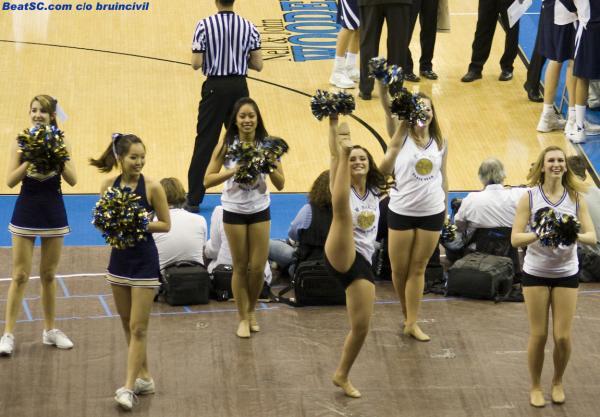 We can't BELIEVE that UC Davis brought Cheerleaders!