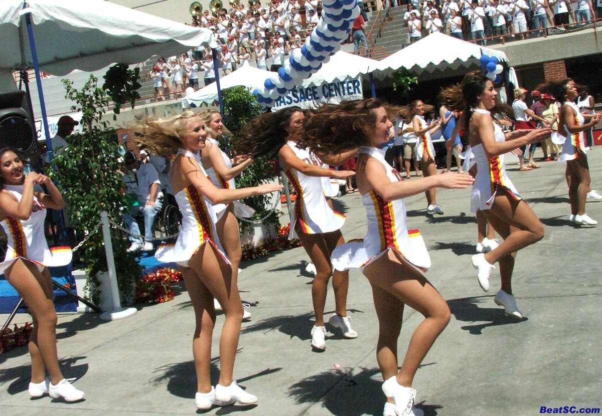 Vikings Cheerleaders 2013. Uniform Malfunctions Nfl Cheerleaders