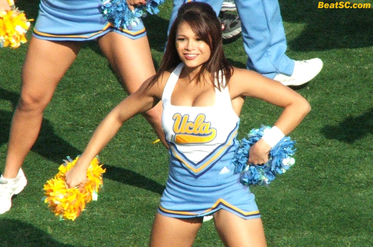 UCLA Cheer Squad 2009 [Roxanne] — wsh09fb-505   The Trojan-Haters ...