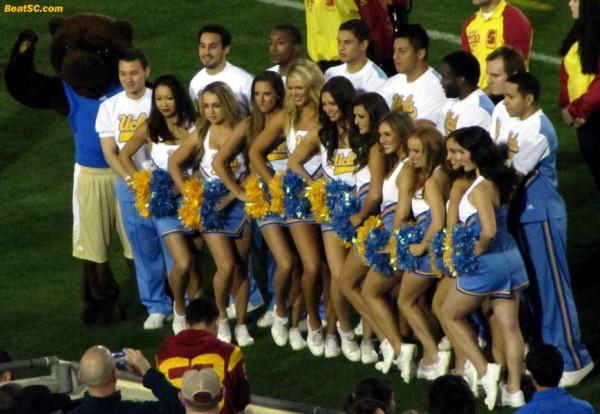 UCLA Cheer Squad pregame posing