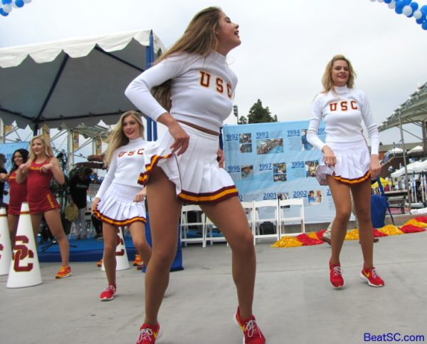 Usc Cheerleaders Pictures >> GIVE 'TIL IT DOESN'T HURT | The Trojan-Haters Club